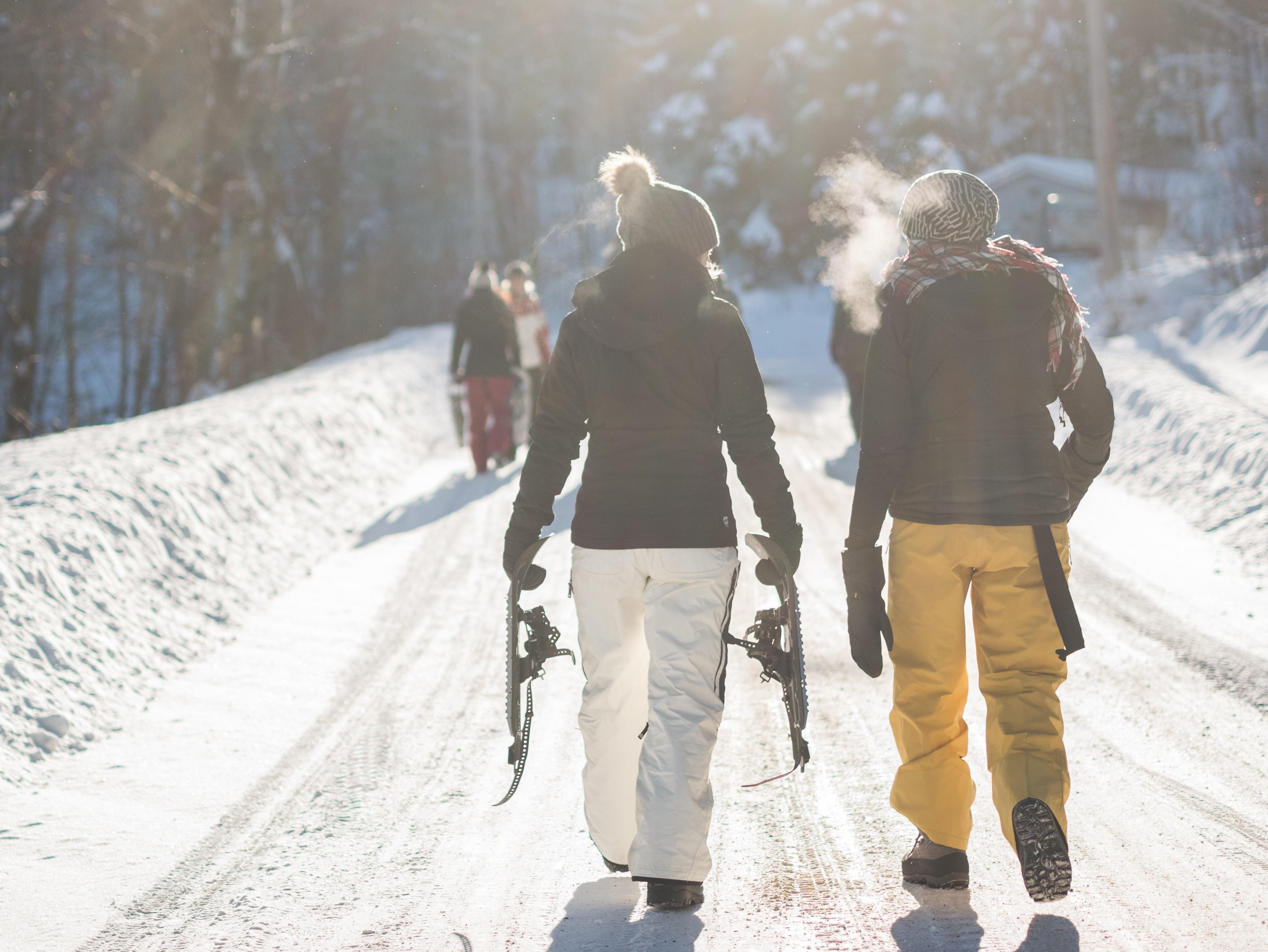 Best Gloves for Ski Touring [2021 UPDATED]