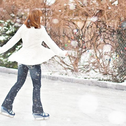 5 Best Ice Skates for Adults [2021 UPDATED]