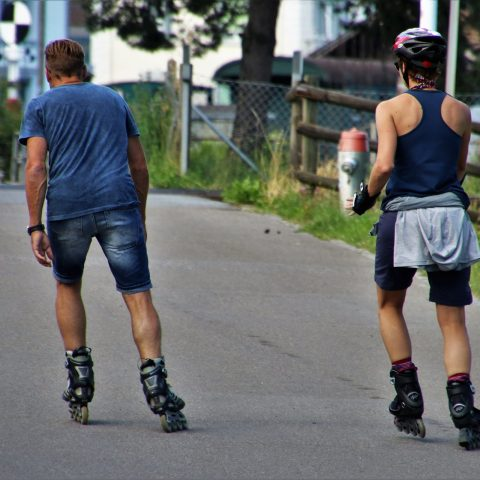 Best Roller Skates for Wide Feet [2021 UPDATED]