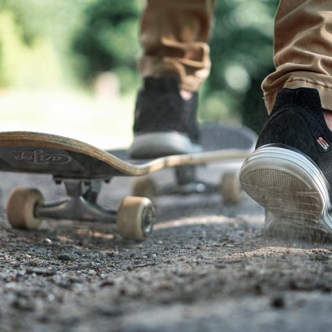 Best Skateboard for Beginner's Kid [2021 UPDATED]